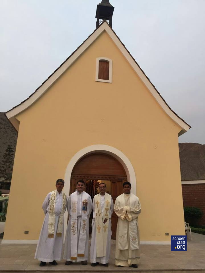 16-04-14-peru-sacerdotes-00