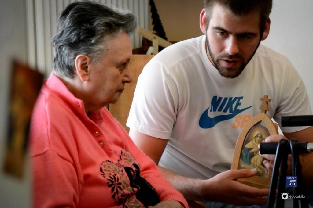Juan en la visita a la casa de Reposo.