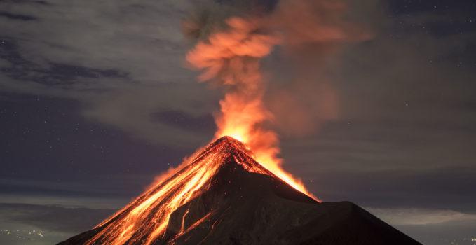 Erupción delk volcán Fuego en Guatemala. iStockGetty Images, licensed for schoenstatt.org 05.06.2018