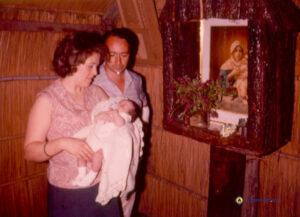 Beby y Hugo Gomez con un hijo en el Ranchito de la Mater